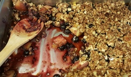 Peach and wild blueberry crisp