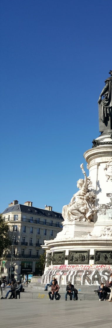 Side profile of the statue in Place de la Republique